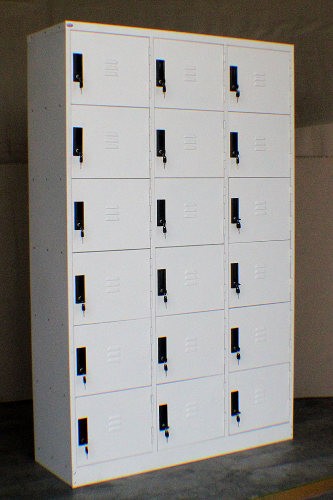 GY346 18 COMPARTMENT LOCKER